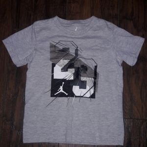 Boys sz 7 Jordan athletic shirt